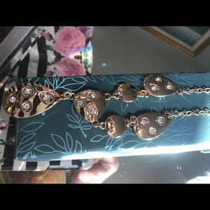 Beautiful VinceCamuto necklace new